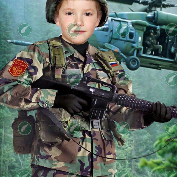 Мальчик в костюме военного